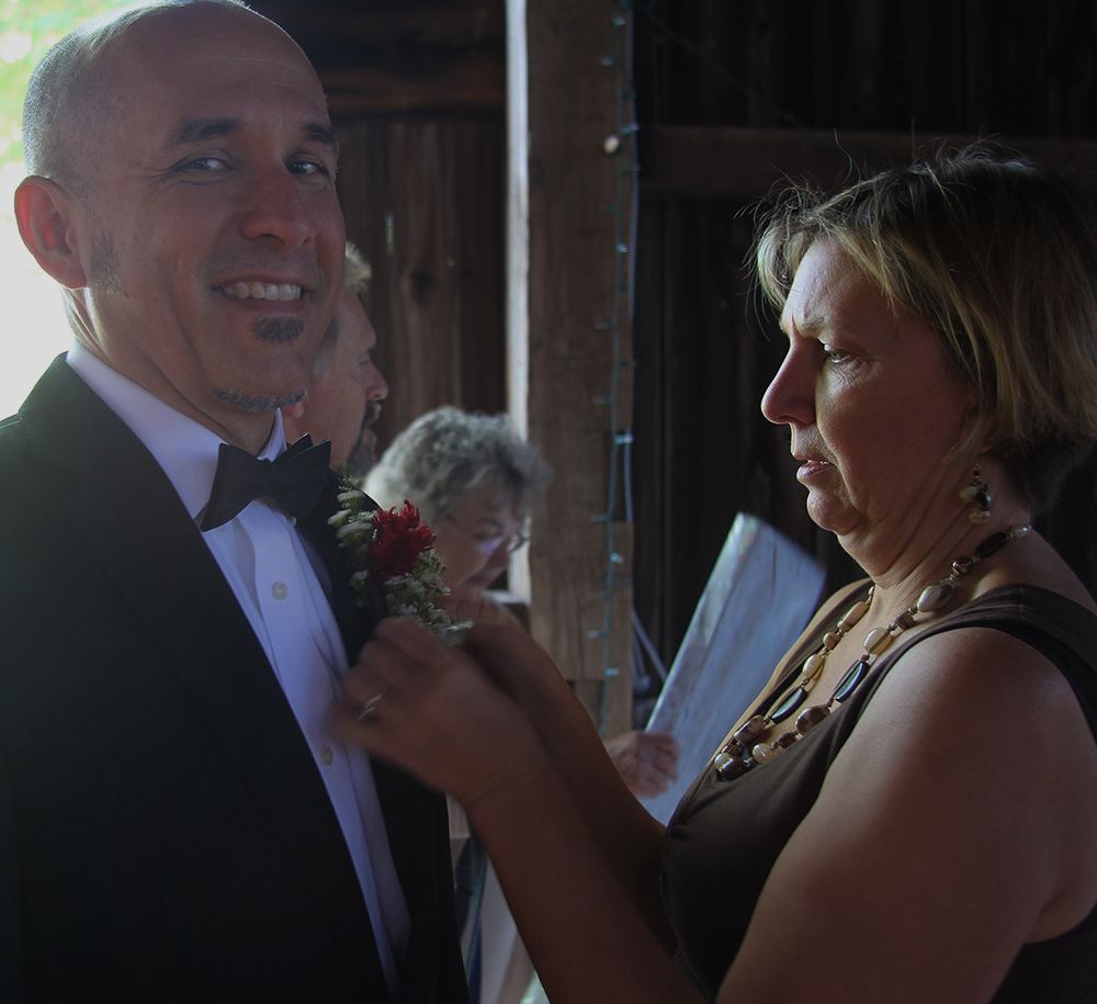 Cynthia Lonero Maggie Lonero flowers homemade boutonniere father-of-the-bride getting ready photo Randi Lyn Stoltz photography Northern Michigan wedding barn wedding Leelanau County wedding