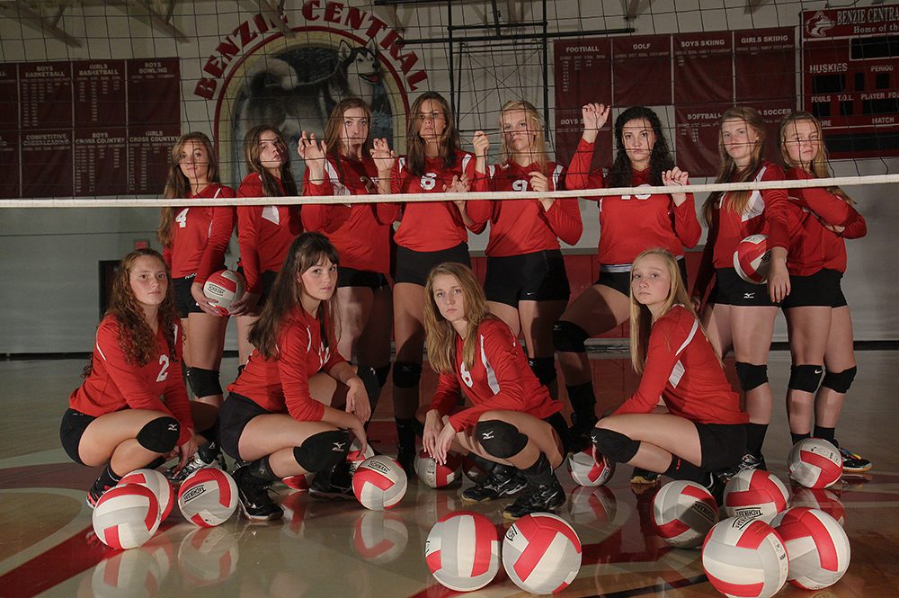 Lindsay Smith Olivia Chiumino Lauren Church Manon Lutzke Madi Kunkel Leah Stapleton Hadley O'Connor Sarah Stapleton Ross Jordin Purchase Maile Church McKenzie Bevis 2016 Benzie Central volleyball Benzie Central varsity volleyball Benzie Central huskiess