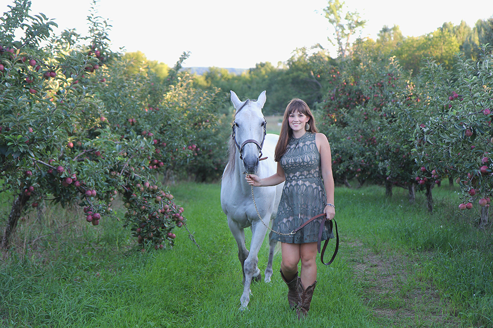 apple orchard horse senior portrait senior photo with horse Lauren Church Benzie Central High School aubrey ann parker photography