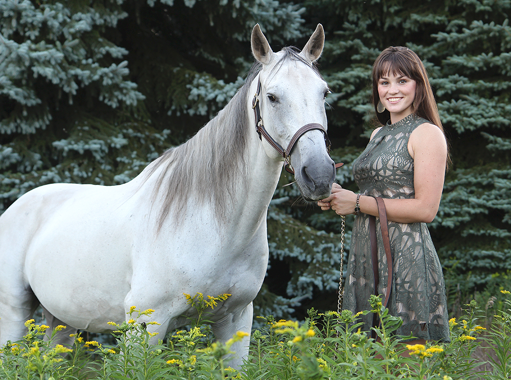 Lauren Church horse senior portrait Benzie Central High School aubrey ann parker photography senior photo with horse