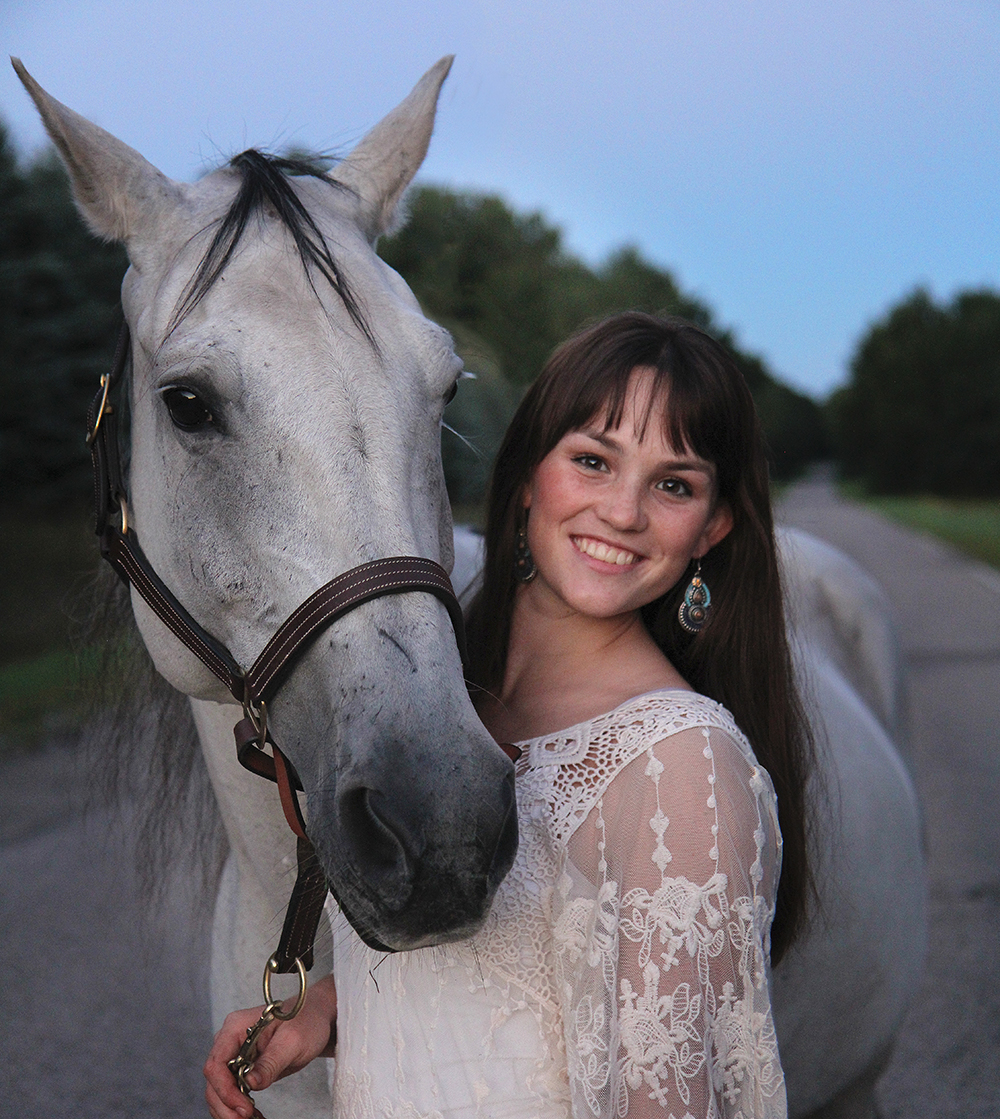 Lauren Church senior portrait with horse Benzie aubrey ann parker photography