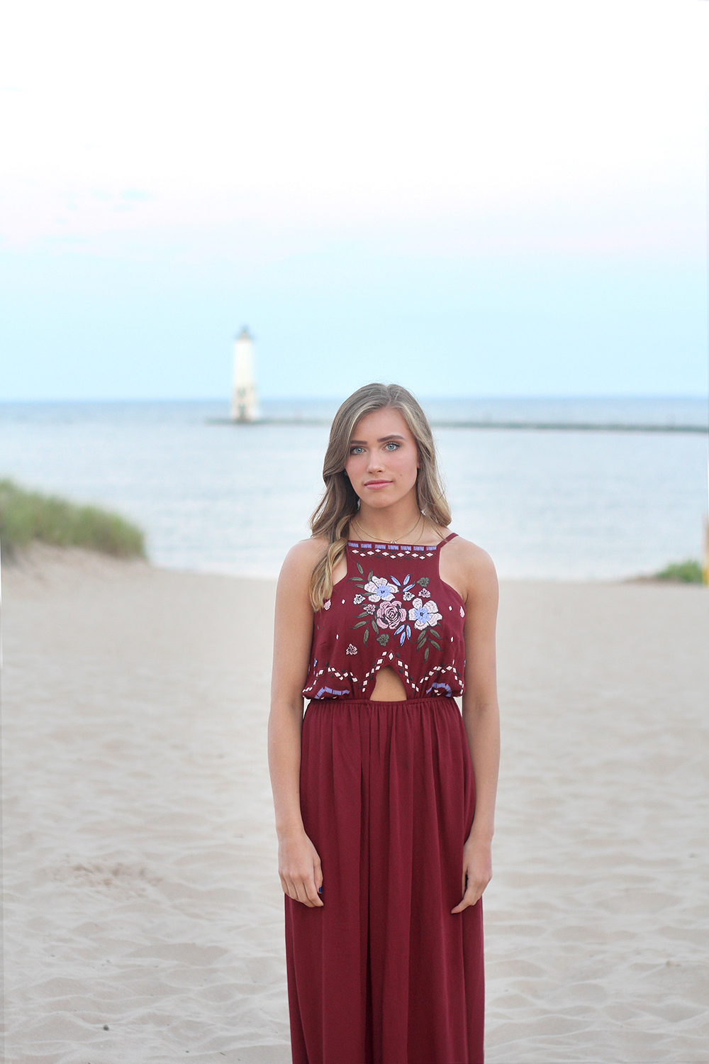 Jillian Graham Frankfort lighthouse Lake Michigan beach senior portrait