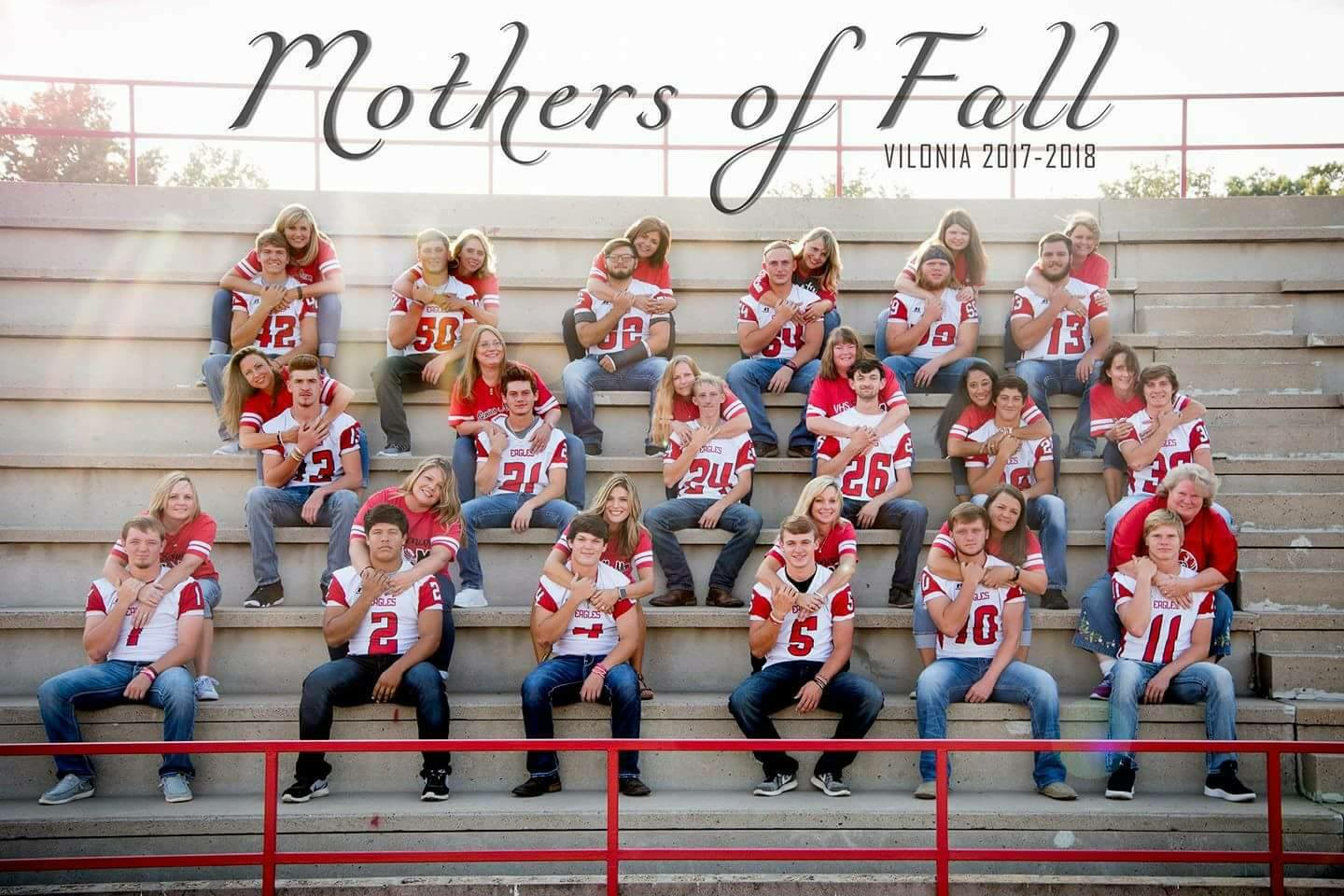 mothers of fall vilonia football team vilonia arkansas football moms team photo with mom