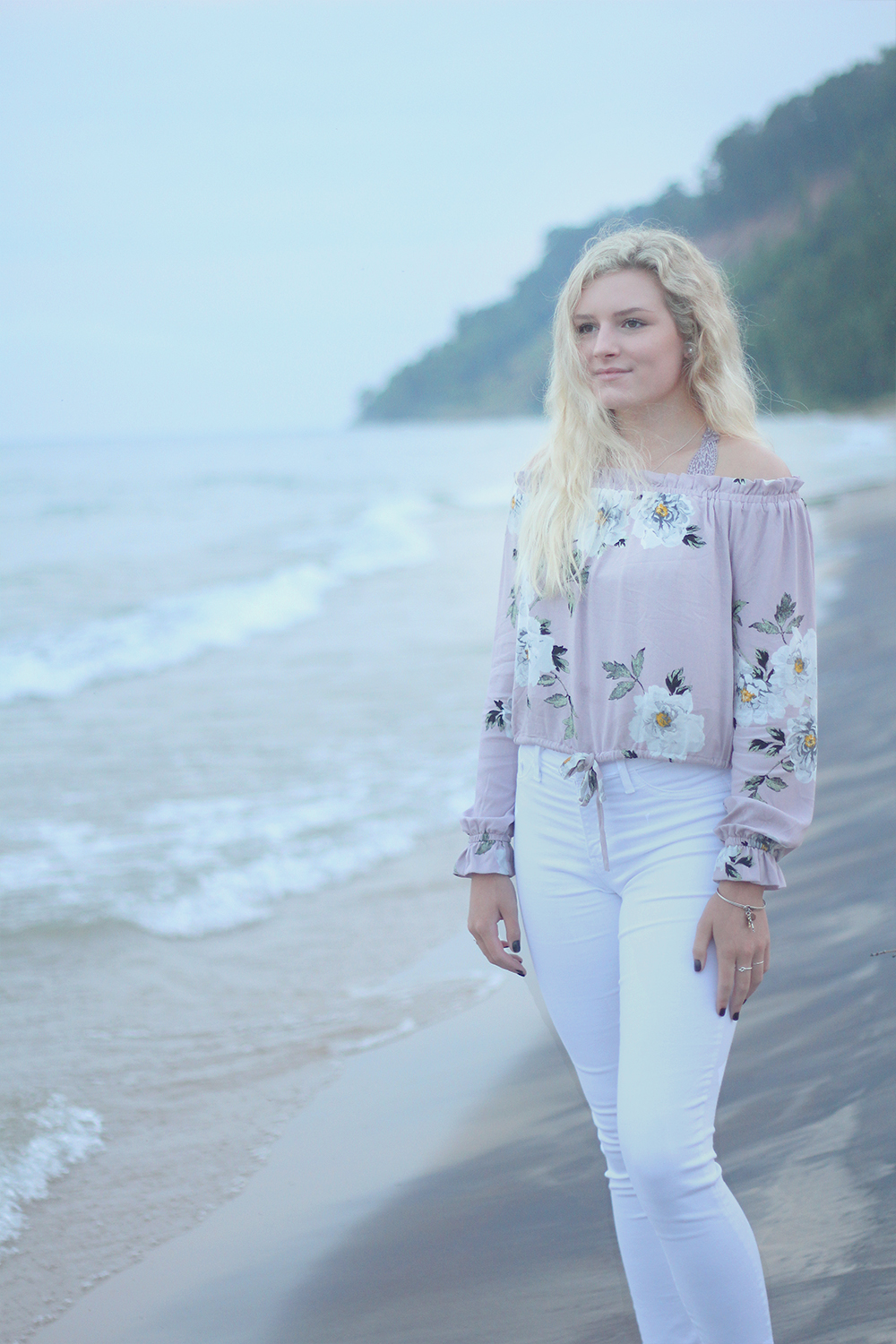 Samantha Jones Frankfort beach senior photos Lake Michigan beach northern michigan photographer