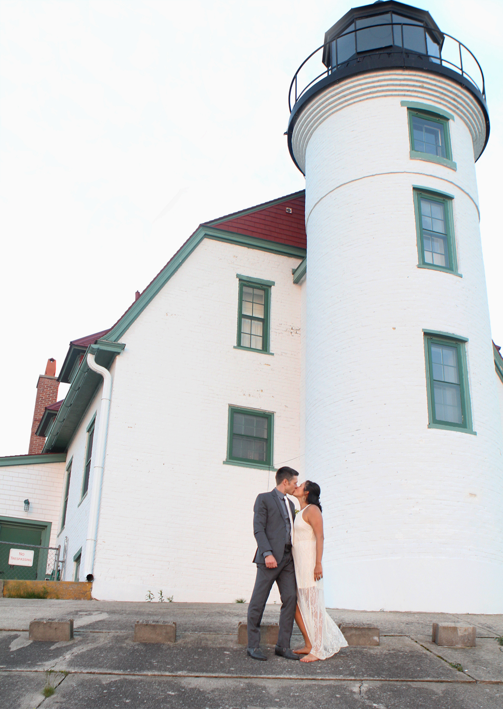 Benzie County wedding photographer Crystal Lake Northern Michigan wedding photographer elopement photographer Point Betsie Lighthouse